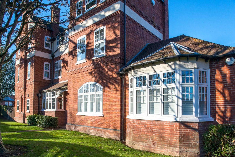Commercial Glazing Contractors Kent