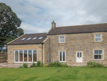 Leyburn Home External AP image copyright of George Barnsdale 2 350x263 - George Barnsdale Timber Windows